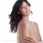 Monica Bellucci topless dans le magazine Elle