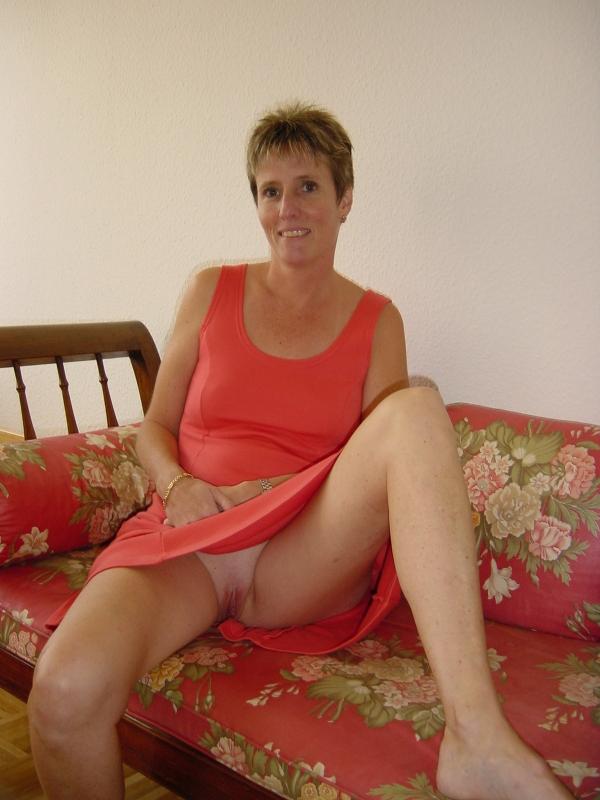 gratuit de cul nue sous la robe