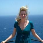 Jolie blonde cherche amant pour des vacances coquines