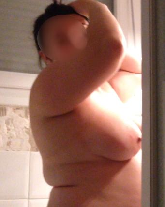 petites annonces sexe elle me montre ses seins